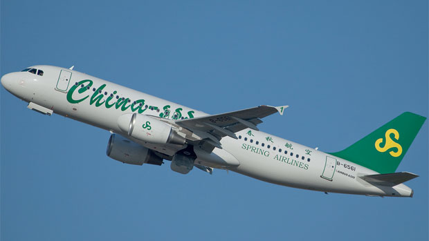 Spring Airlines A320 B-1951 takes off on its delivery flight from Tolouse. Photograph by Christophe Ramos