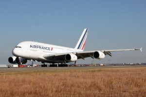 Air France's first A80 touches down at New York's JFK Airport. (Photo by Phil Derner, Jr.)