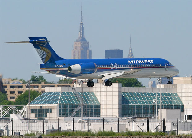 Midwest Airlines Boeing 717-2BL N914ME on short final for LaGuardia's Runway 31. Photo by Phil Derner