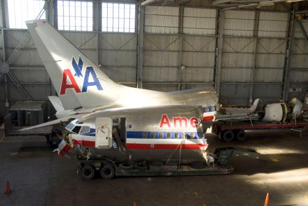 American Airlines 737-823 N977AN