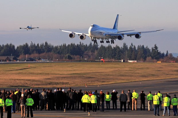 First flight of the Boeing 747-8F moments from completion. (Photo by Jeremy Lindgren)