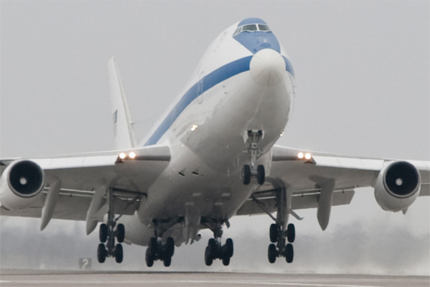 boeing delivers refurbished e 4b doomsday plane to us air force