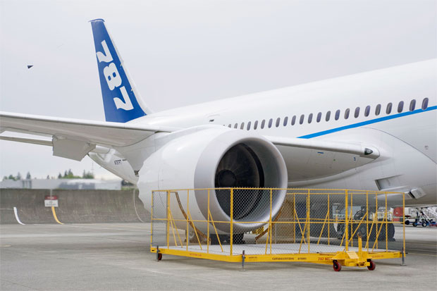 Video Boeing Powers Up First Genx Engined 787