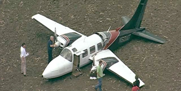 1976 Aerostar 601 N601AT sits in a Texas field after crash landing