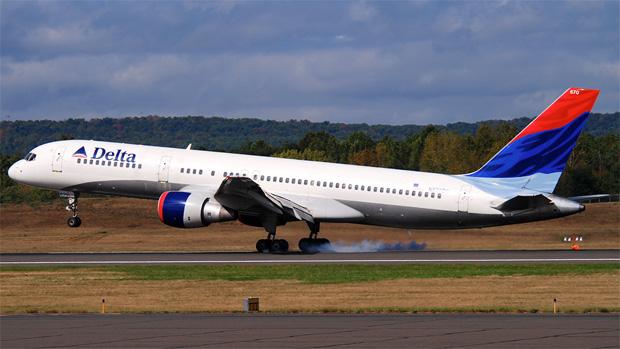 Delta 757 N670DN at BDL