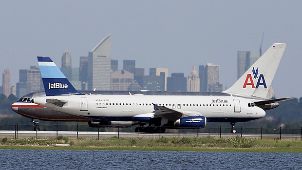 JetBlue A320 and American Airlines 767-200