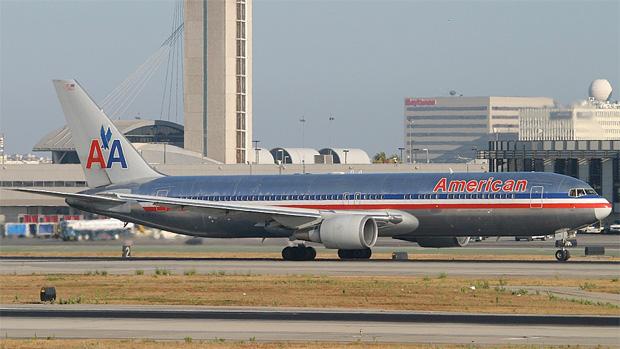 N372AA American Airlines 767-300