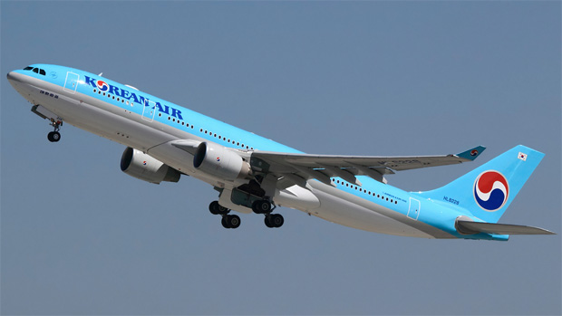 Korean Air Airbus A330-200 HL8228 takes off from LAX
