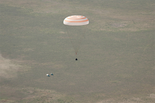 Soyuz Expedition 27 lands in Kazakhstan