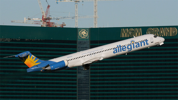 Ever so slight wingflex in this Allegiant Mad-Dog MD-83 N865GA in front of the MGM Grand