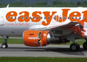Reverse thrust being applied on an EasyJet Airbus