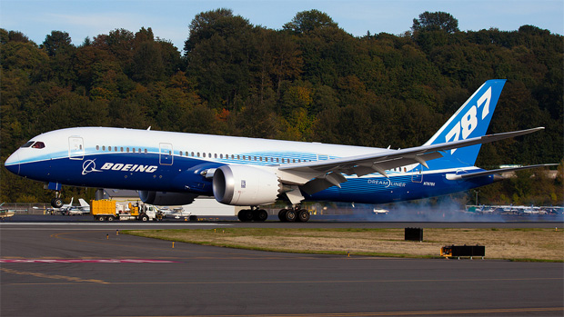 Boeing 787-8 Dreamliner ZA003, aka N787BX, completing a test flight at Seattle Boeing Field