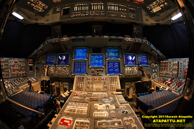 "The glass cockpit of the last operational Space Shuttle <em>Atlantis</em> in the powered up state showing what the astronauts see."" title=""4A6U8540S2boutatlantis1″ width=""620″ height=""414″ class=""size-full wp-image-18917″ /></p> <p class="